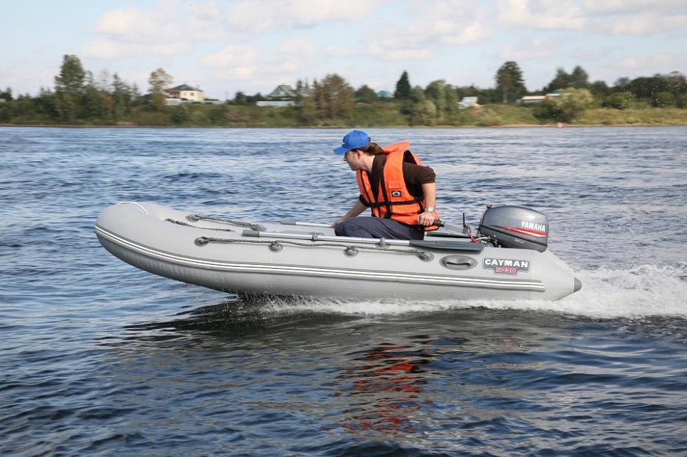 caiman 330 лодка